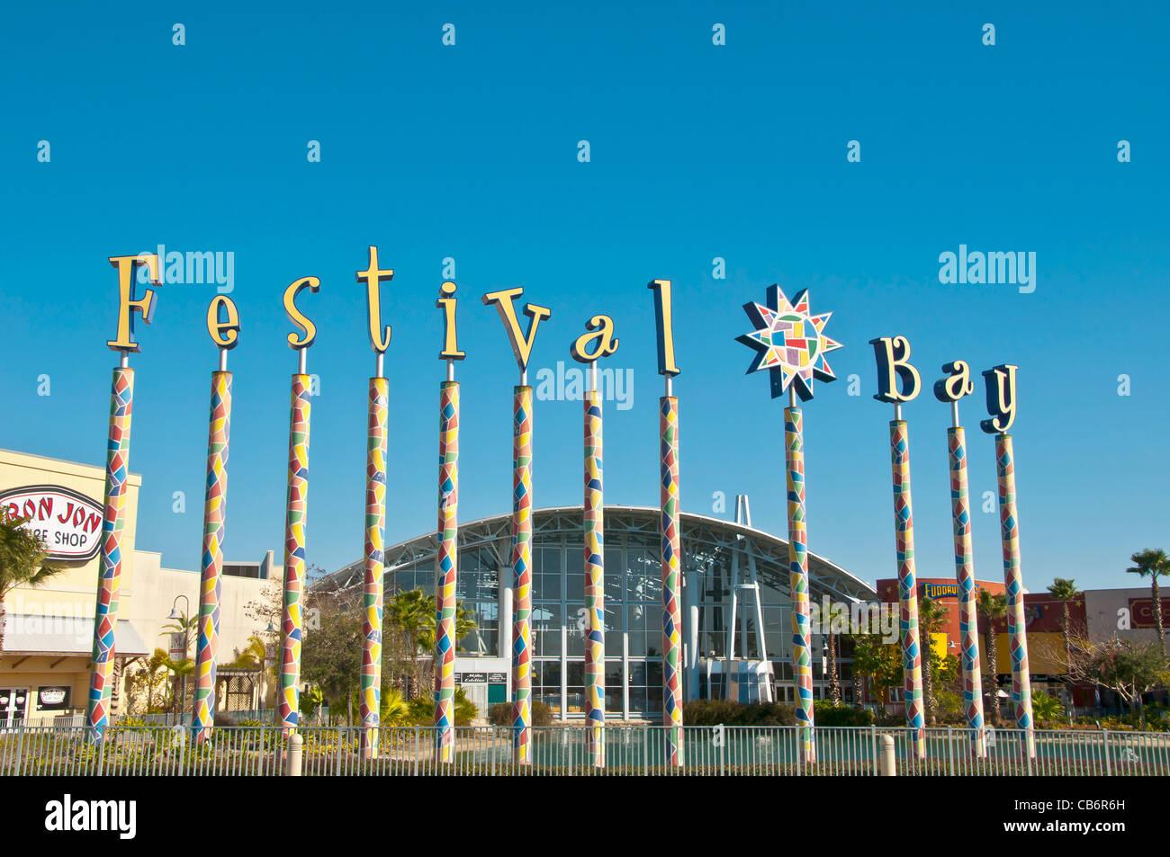 Shopping Festival Stockfotos & Shopping Festival Bilder - Alamy