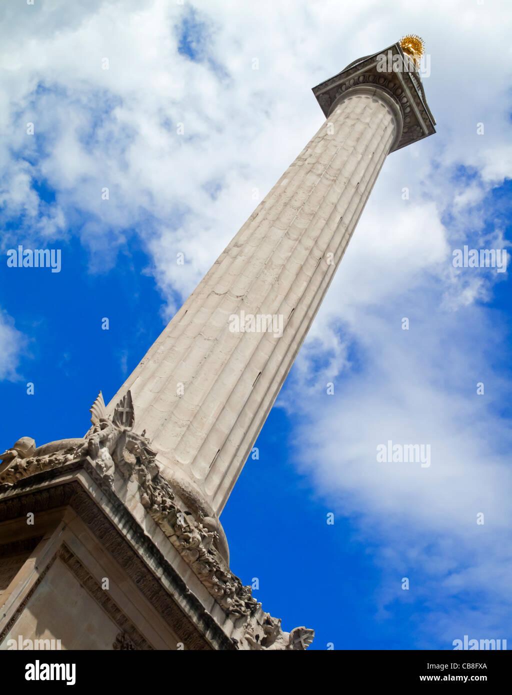 Das Denkmal für den großen Brand von London einen Stein Roman Doric Spalte in der City of London, entworfen Stockbild