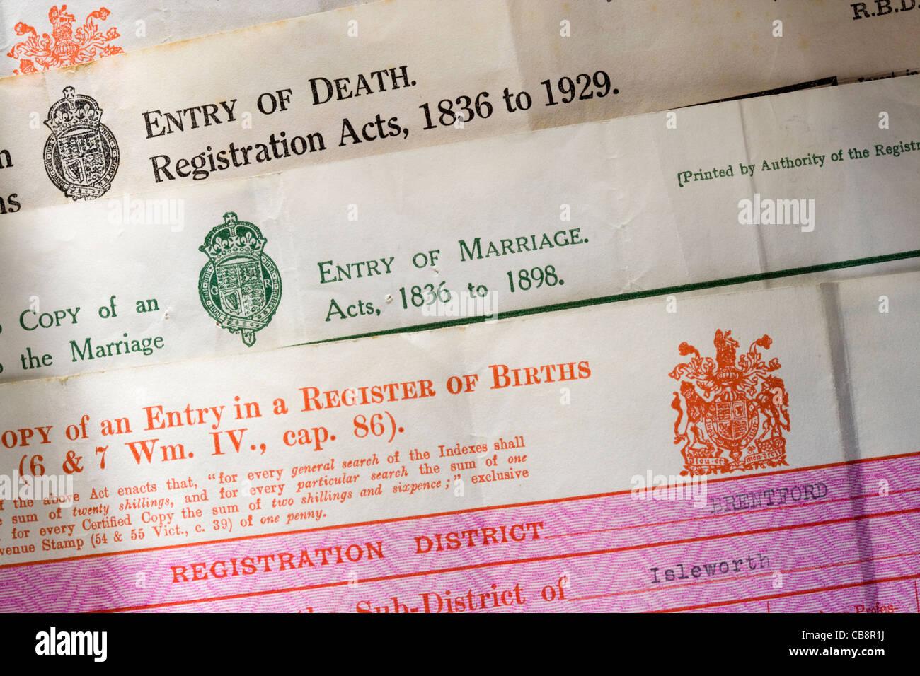 Alten Zertifikate von Geburt, Tod und Ehe. VEREINIGTES KÖNIGREICH. Stockbild