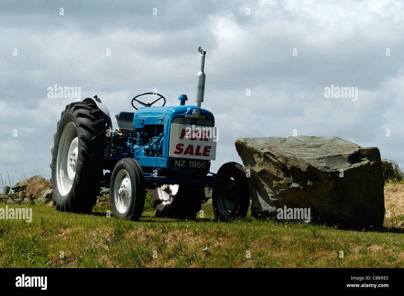 fordson major tractor stockfotos fordson major tractor bilder alamy. Black Bedroom Furniture Sets. Home Design Ideas