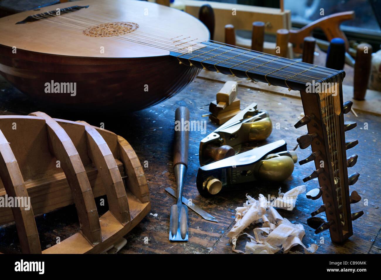 Werkzeuge in eine laute Maker-Werkstatt Stockbild