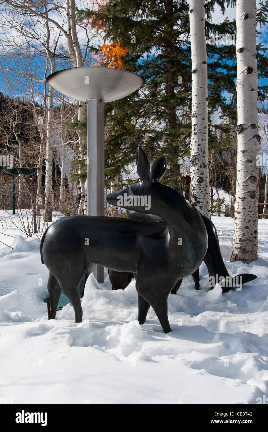 Hirsche und Flamme Statue, Stein Eriksen Lodge, Deer Valley Resort und Park City, Utah. Stockbild