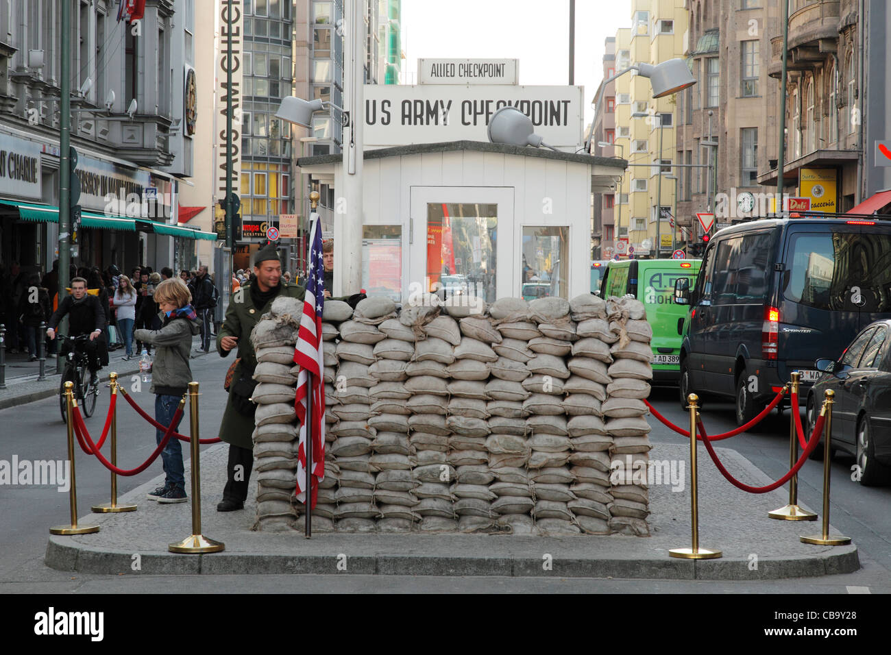 US Armee-Checkpoint Charlie in Berlin, Deutschland Stockbild