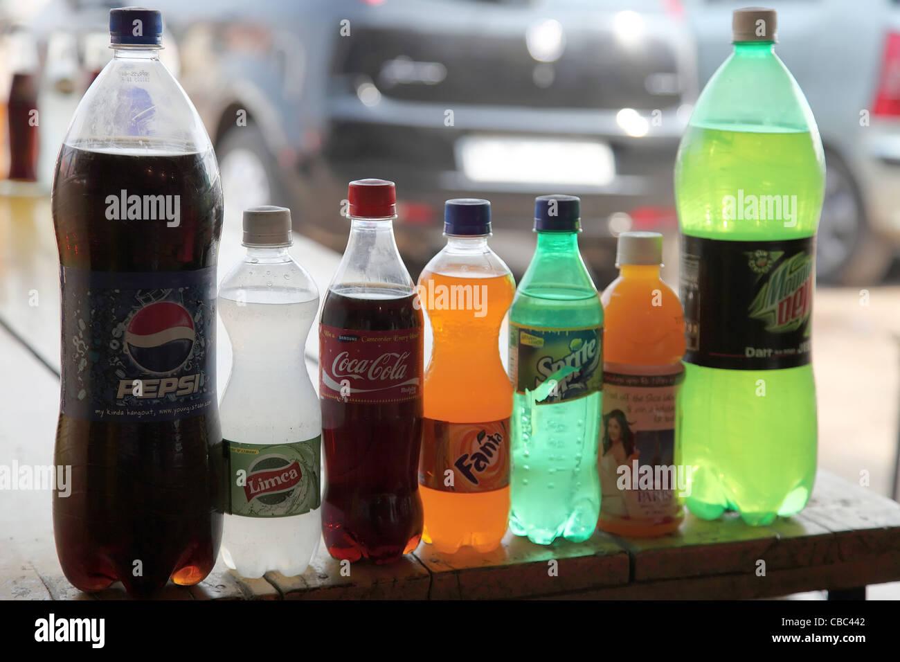 Kalte Getränke am Straßenrand Getränke Stall Agra Indien Hersteller ...