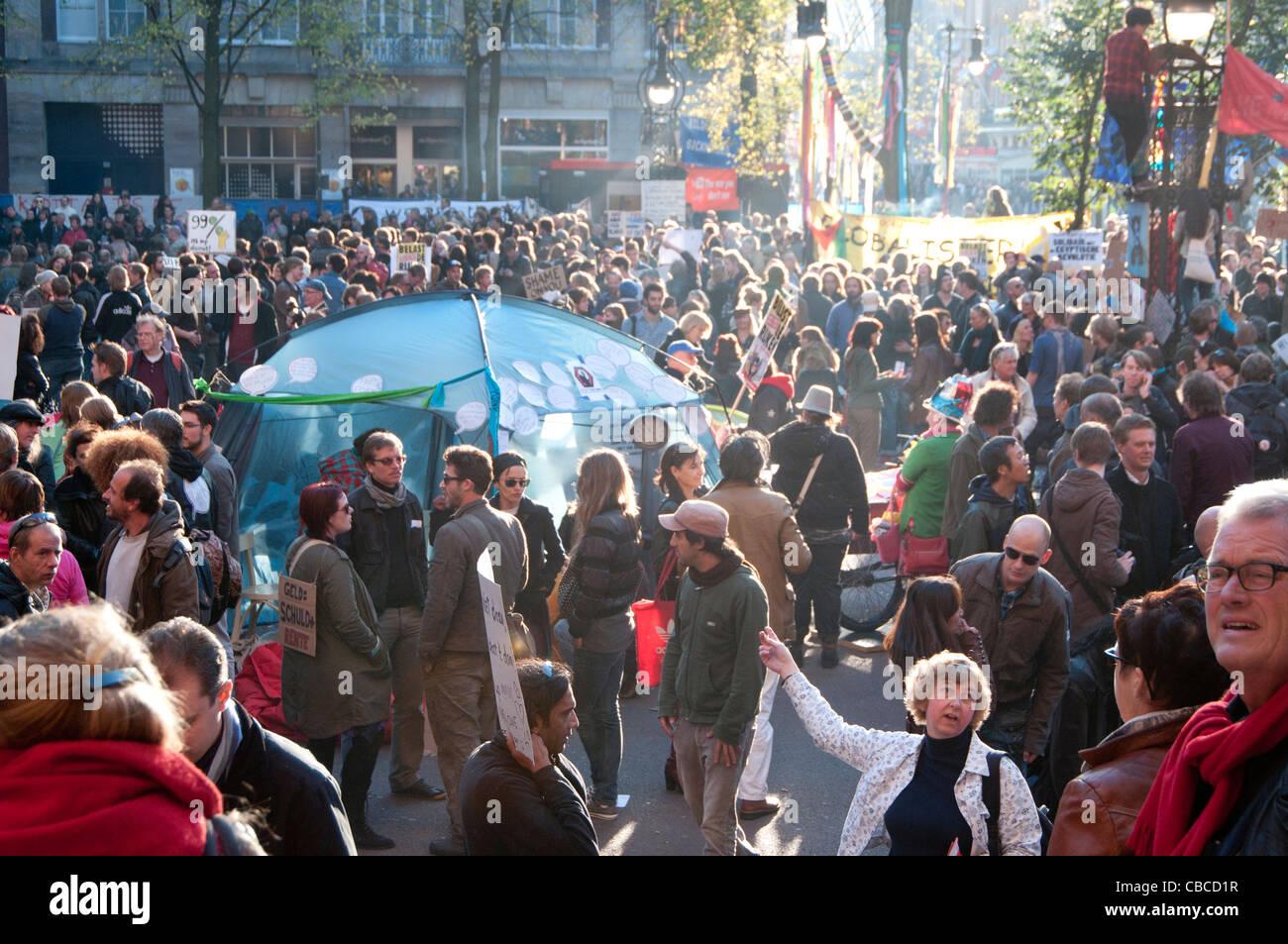 Beginn der besetzen Amsterdam am Beursplein Stockfoto