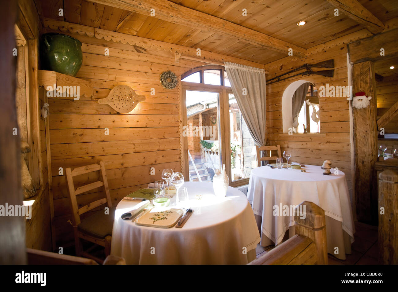 Dining Room Restaurant Rustic Stockfotos & Dining Room Restaurant ...