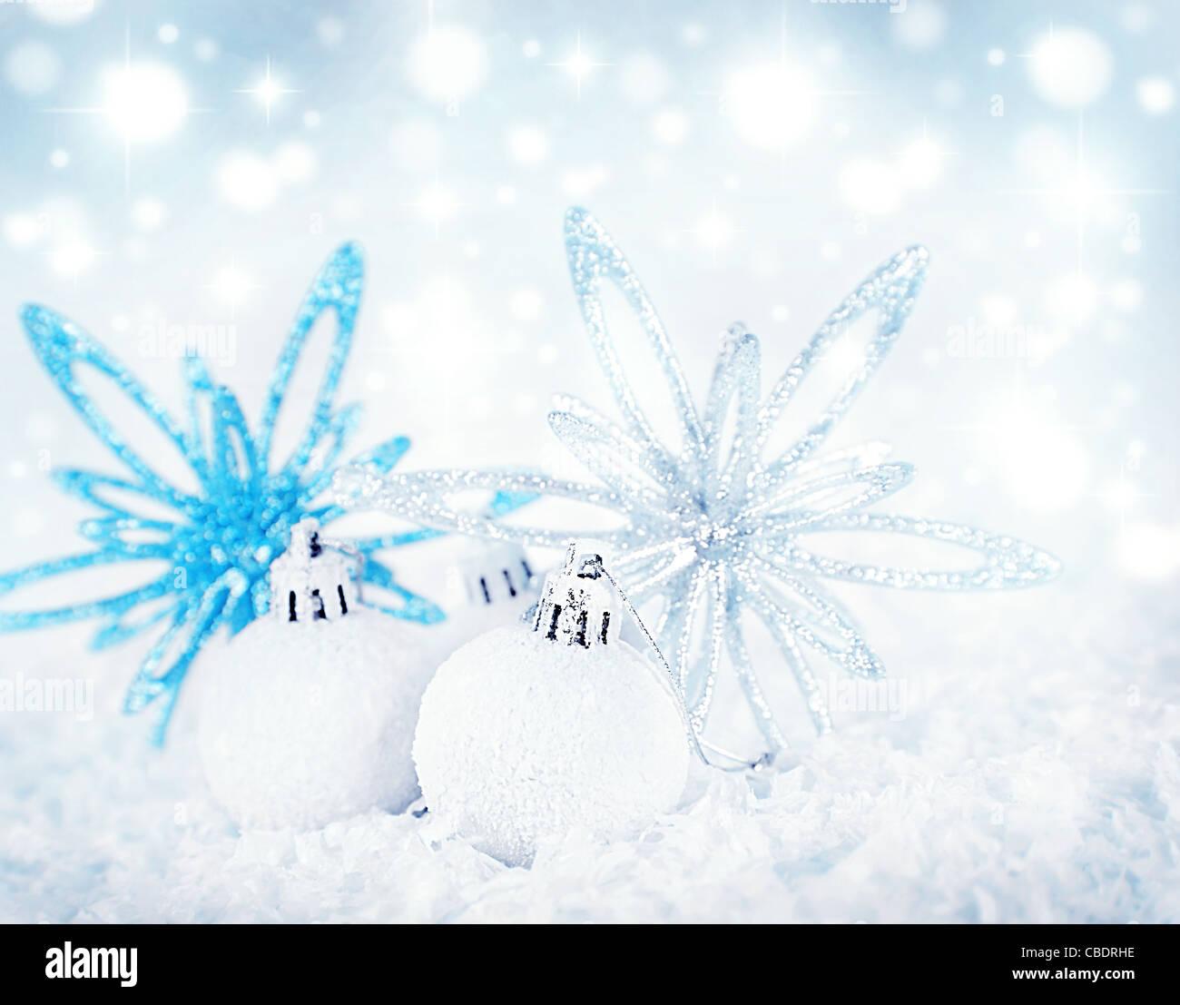 christbaumkugel verzierung strar christbaumkugeln als eine weihnachtskarte hintergrund grenze. Black Bedroom Furniture Sets. Home Design Ideas