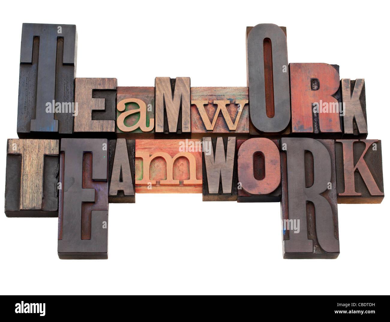Teamarbeit - isoliertes Wort abstrakt in Vintage Holz Buchdruck Druckstöcken Stockbild