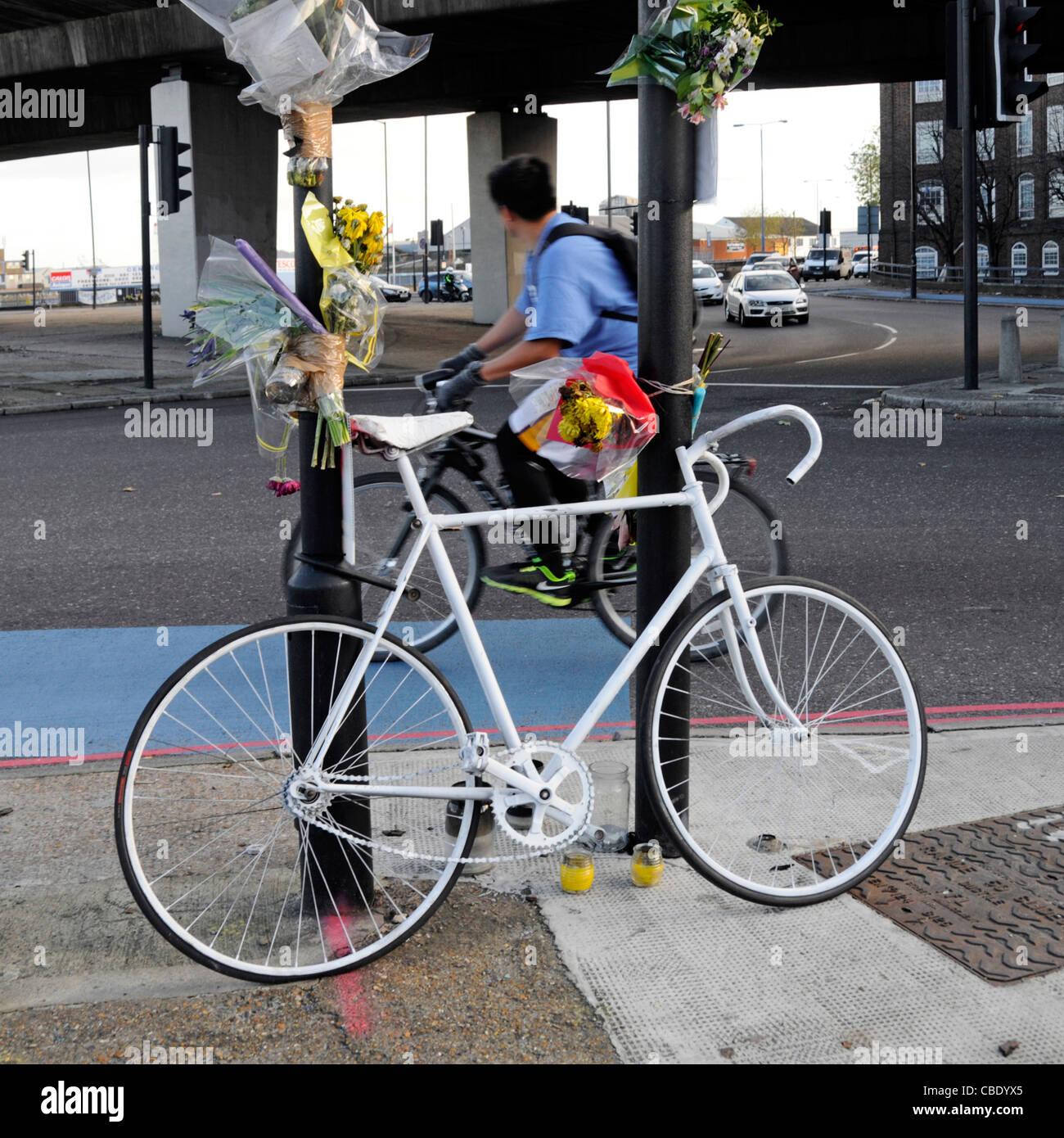cyclist accident stockfotos cyclist accident bilder alamy. Black Bedroom Furniture Sets. Home Design Ideas