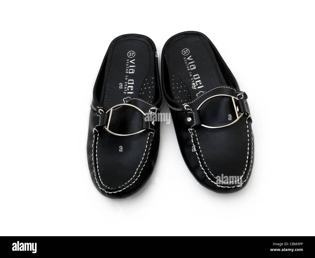 Schwarze Und Silberne Schuhe Stockfotos Schwarze Und Silberne