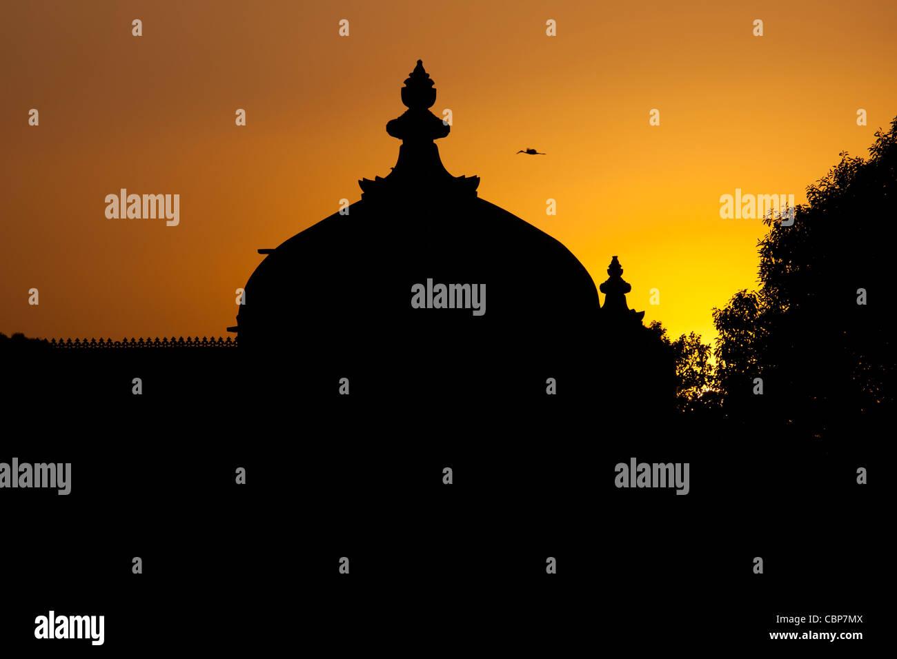Gol Mahal Raj Angan Nebengebäude, das Stadtschloss bei Sonnenuntergang in Udaipur, Rajasthan, Indien Stockbild