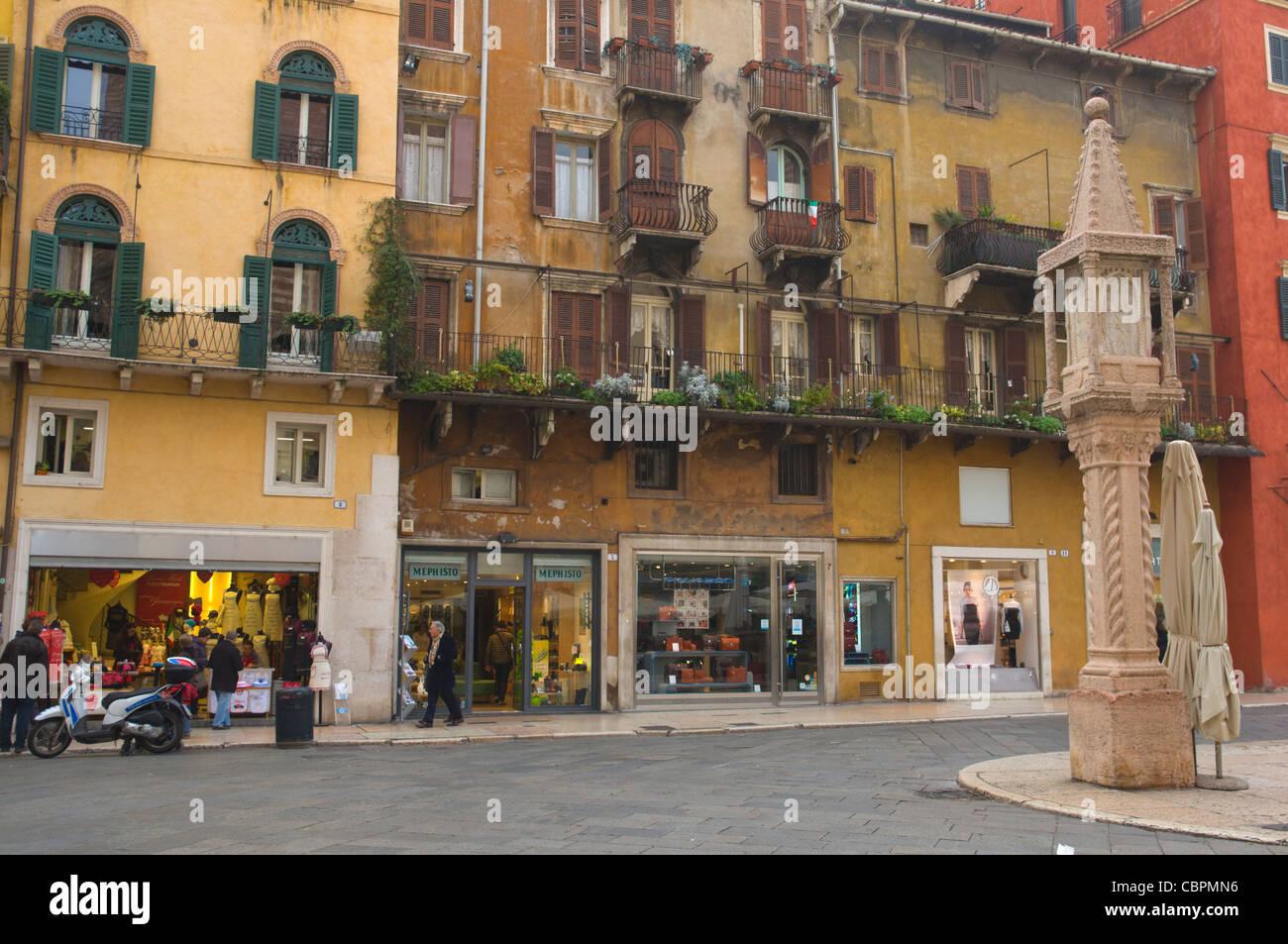 Piazza Delle Erbe quadratische Verona Venetien Region Nord Italien Europa Stockbild
