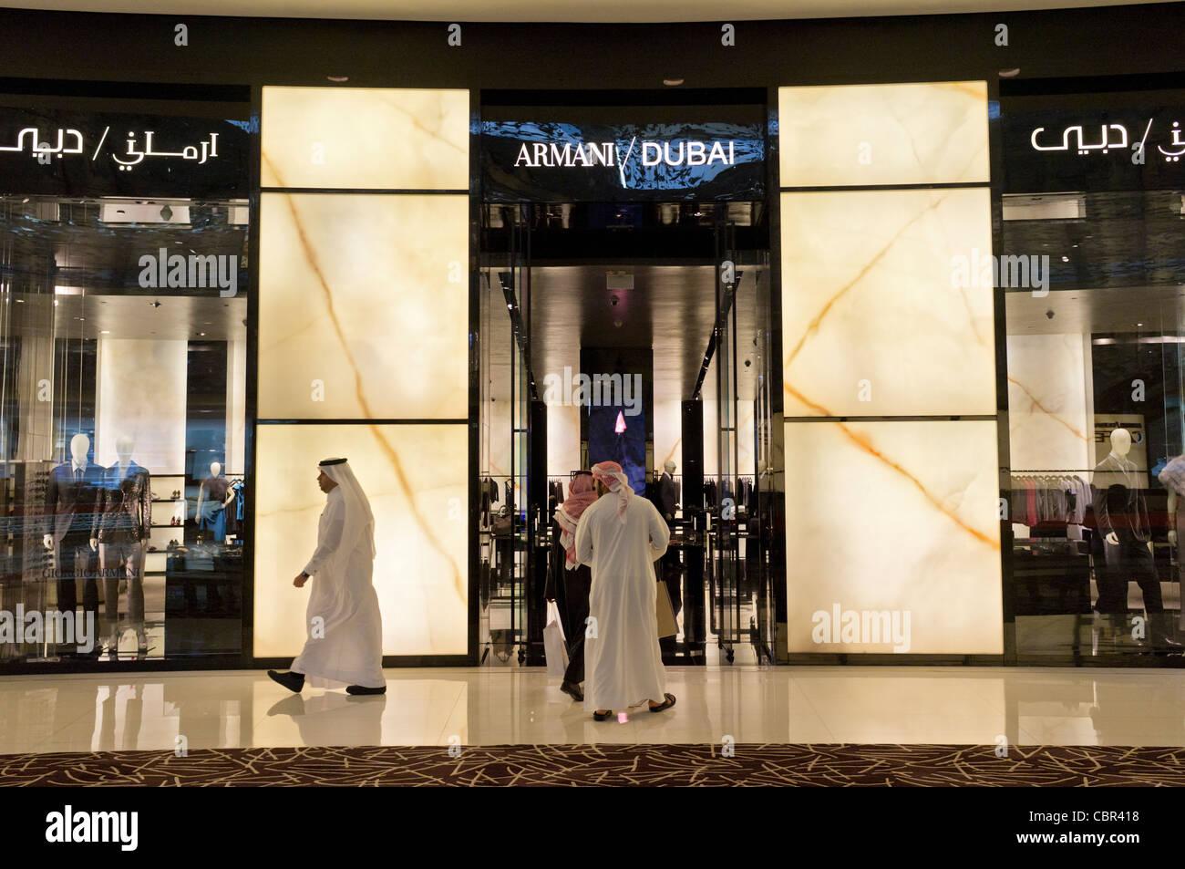 Armani speichern in der Dubai Mall in Dubai in Vereinigte Arabische Emirate Stockbild