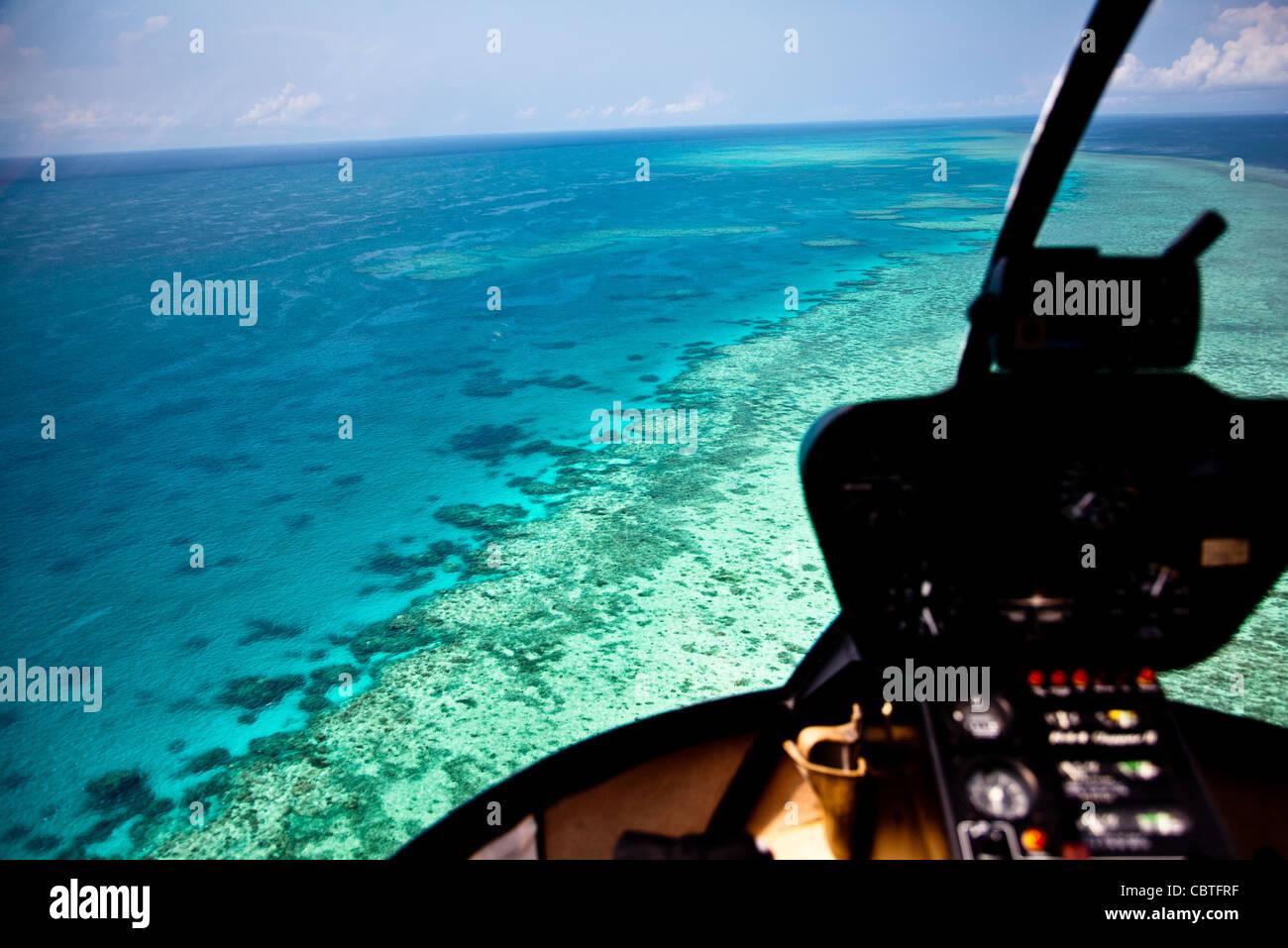 Luftaufnahmen Mit Helikopter Innenraum über Die Atemberaubende Great  Barrier Reef, Australien.