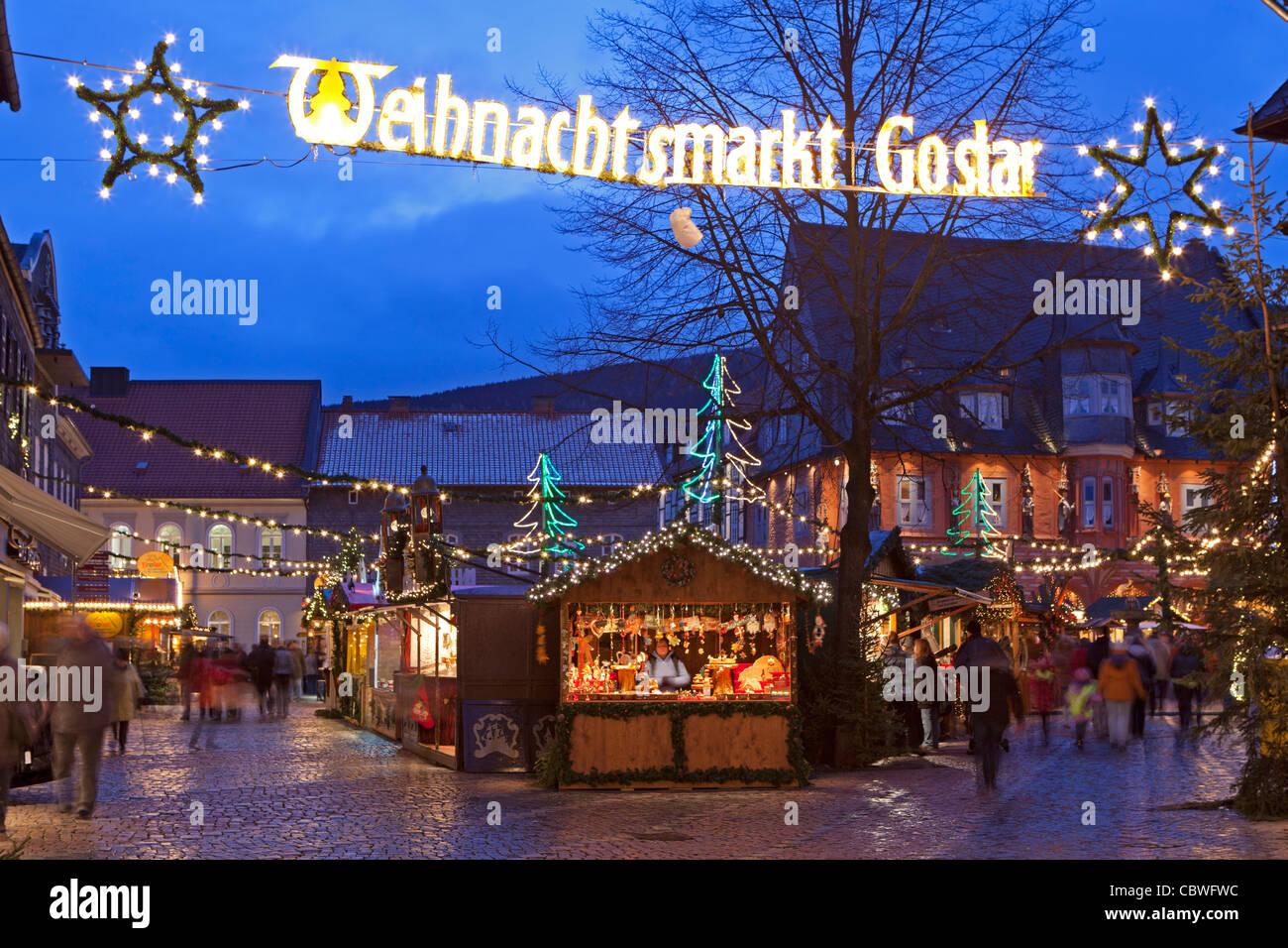Goslar Weihnachtsmarkt.Weihnachtsmarkt Am Markt Platz Von Goslar Harz Mountains