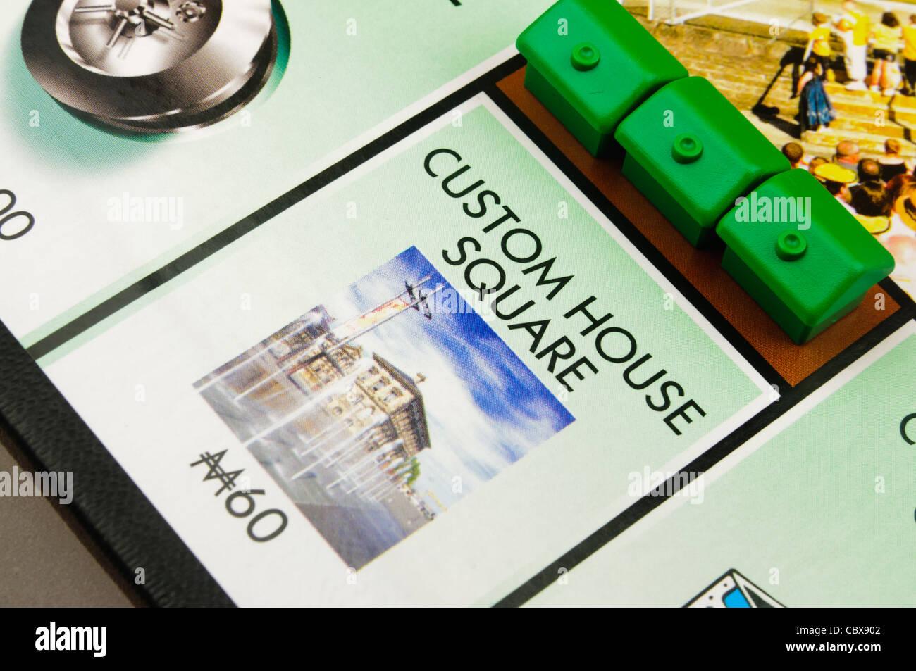 Belfast-Monopol: Bau von Häusern auf Custom House Square Stockbild
