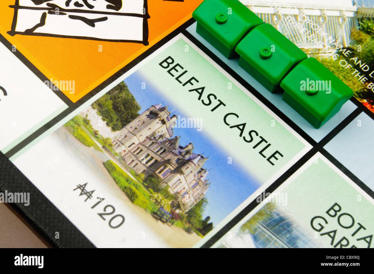Belfast-Monopol: Bau von Häusern auf Belfast Castle Stockbild