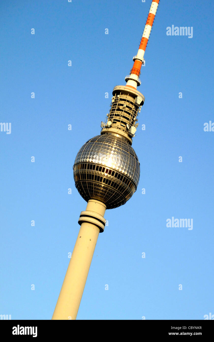 Fernsehturm auf dem Alexanderplatz in Berlin. Stockbild