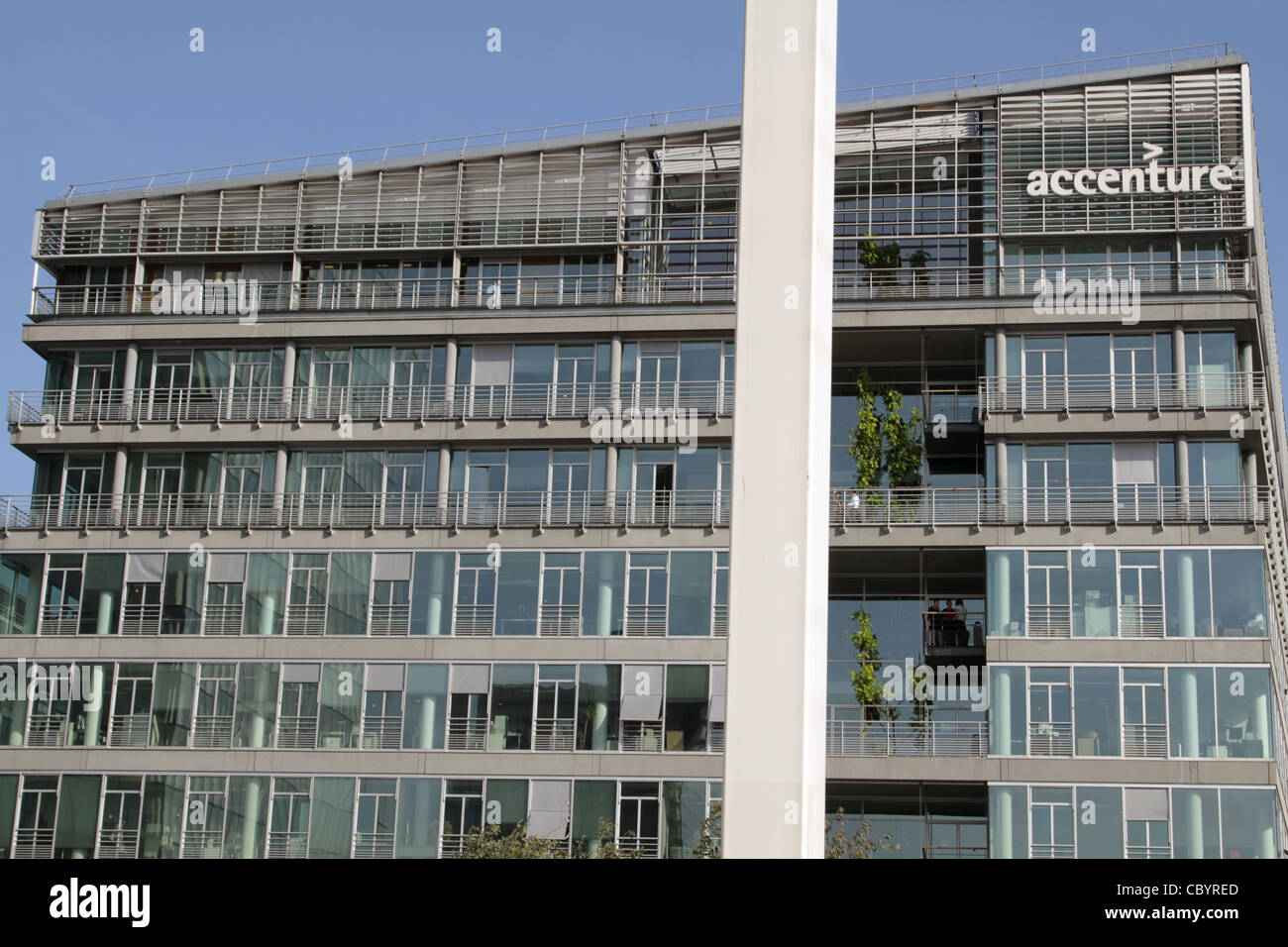 Accenture stockfotos accenture bilder alamy for Accenture london office