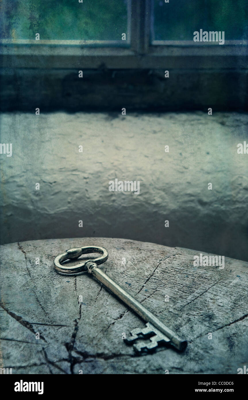 Mysterious stockfotos mysterious bilder alamy - Nasse fenster uber nacht ...