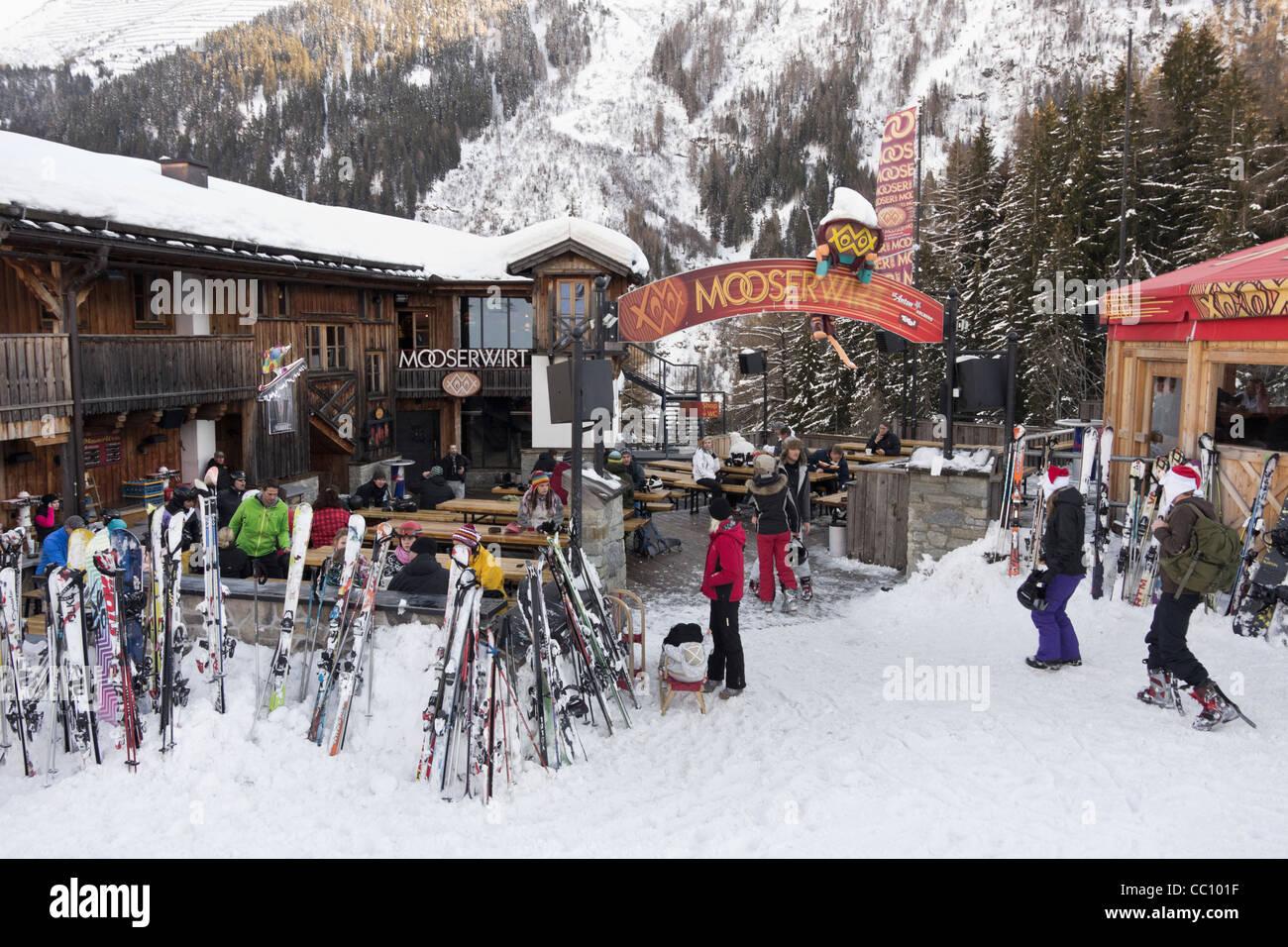 St Anton Am Arlberg Tirol österreich Europa Ski Und Skifahrer