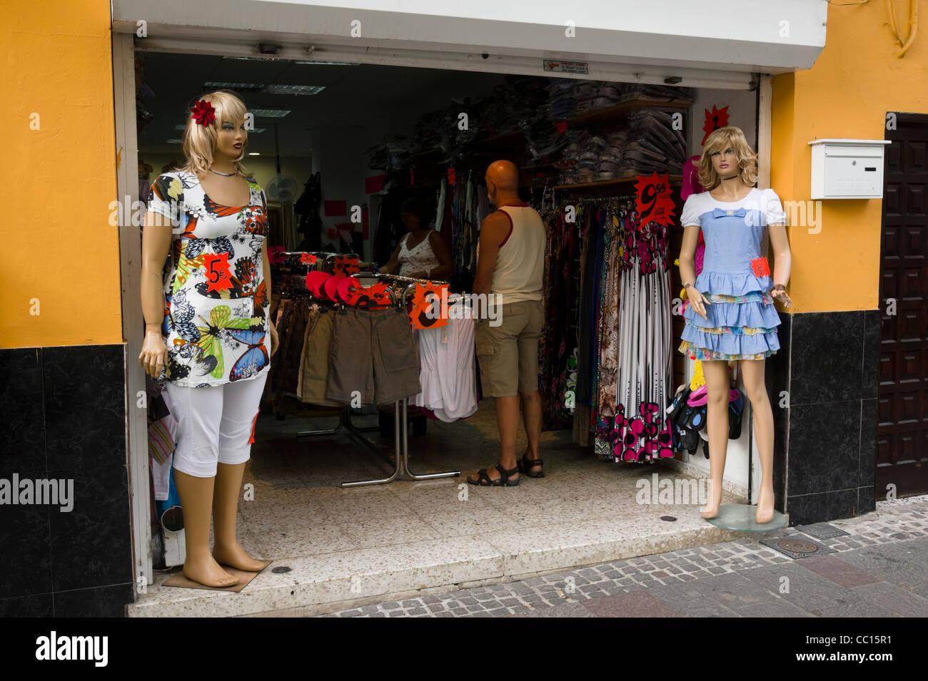 buy online b703e 05109 Los Cristianos, Teneriffa. Übergrößen Kleidung Mannequin ...