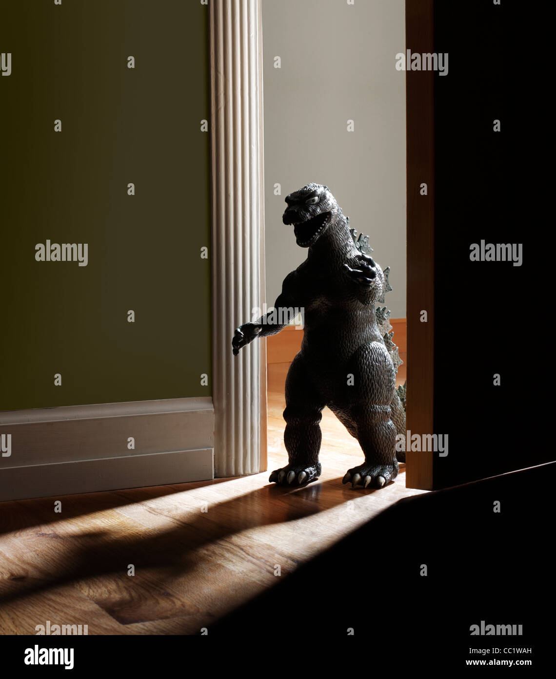 Spielzeug-Monster in Tür Stockbild