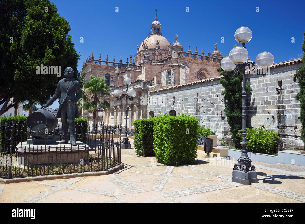 Sherry Wine Maker Manuel Maria Gonzalez Angel-Denkmal in Jerez De La Frontera Stockbild