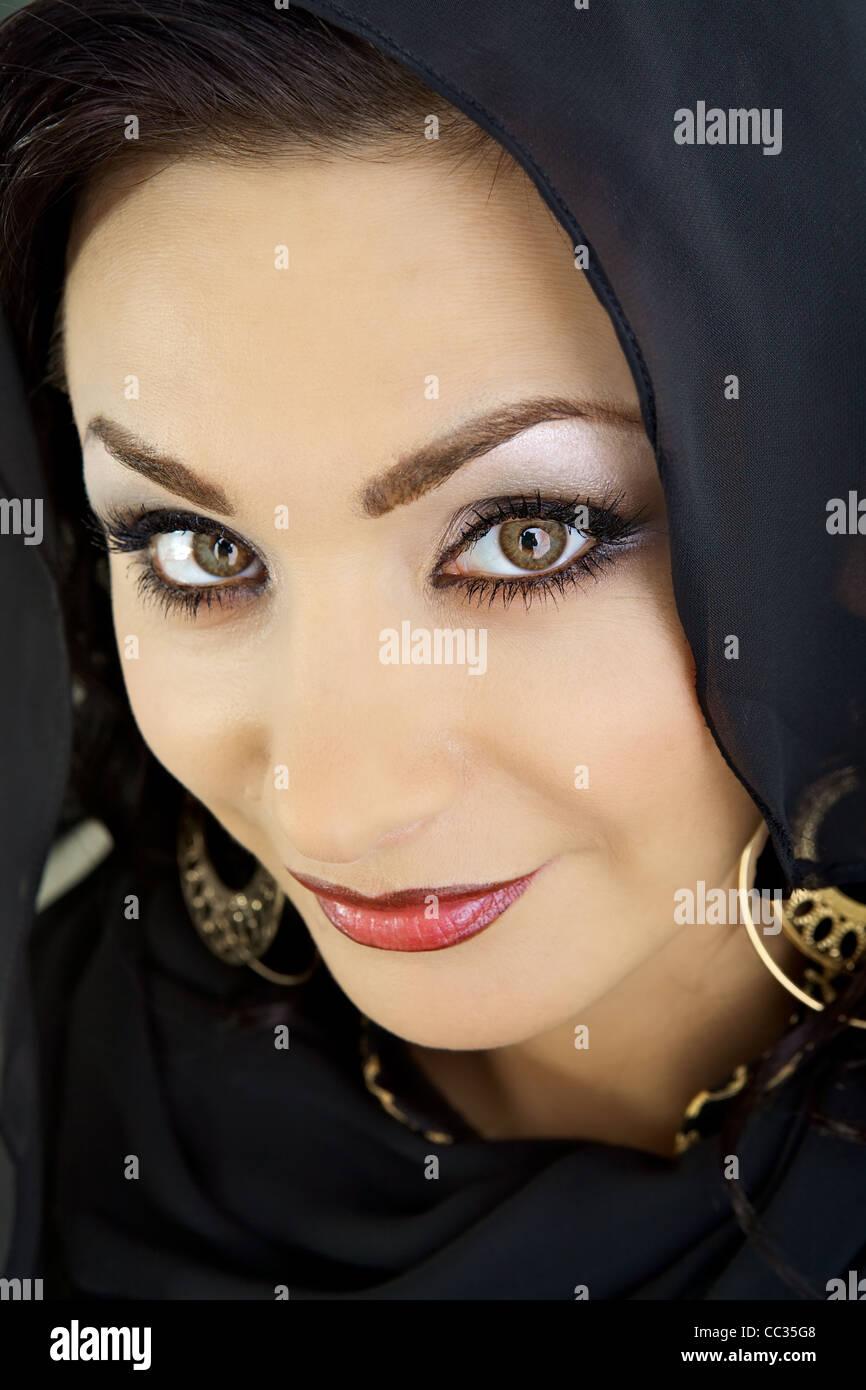 Arabische Frau Mit Dekorativen Make Up Stockfoto Bild 41866840 Alamy