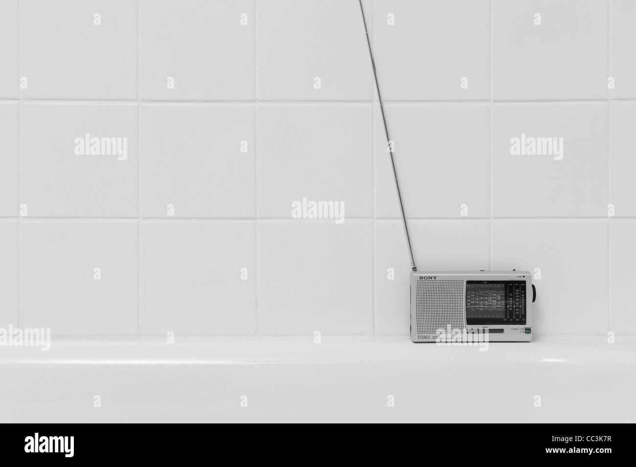 portable transistor radio stockfotos portable transistor radio bilder alamy. Black Bedroom Furniture Sets. Home Design Ideas