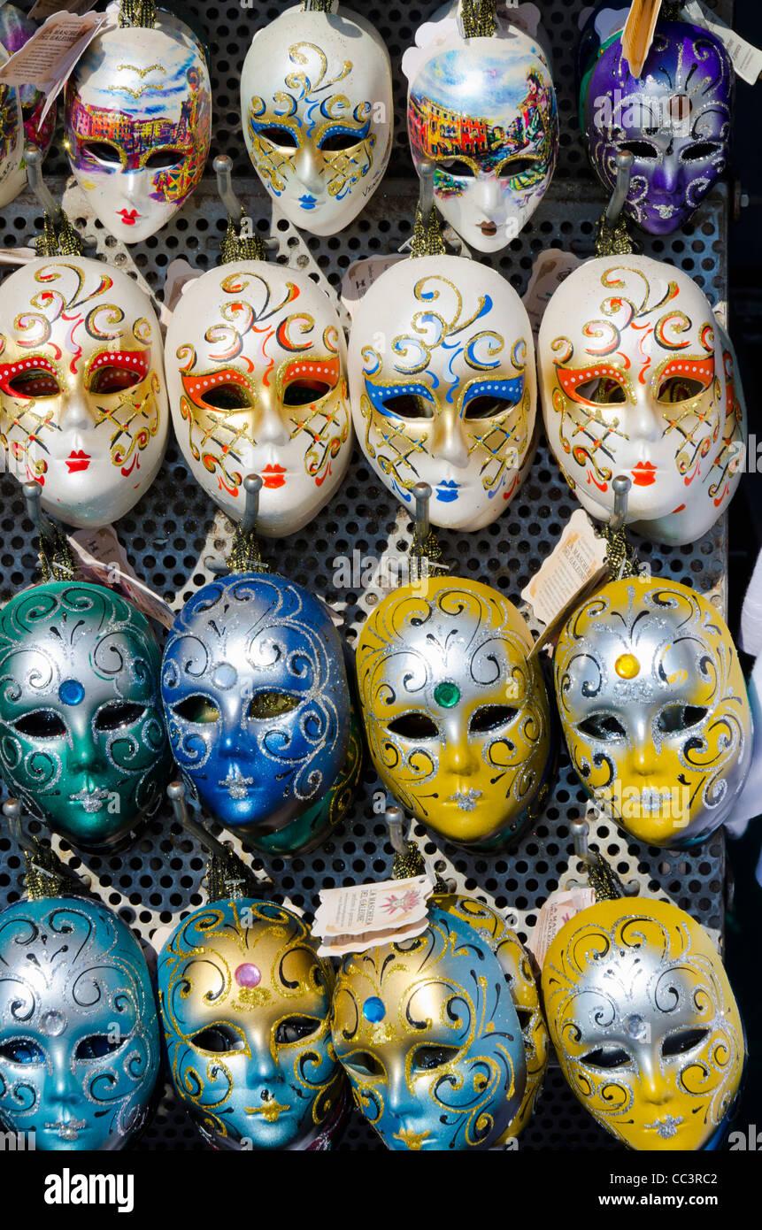 Italien, Veneto, Venedig, venezianische Masken zum Verkauf Stockfoto