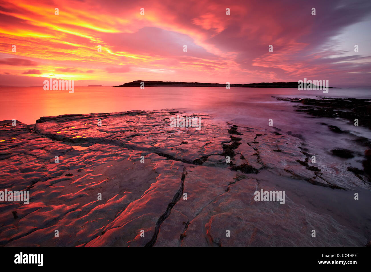 Sully Insel, Sully, Vale of Glamorgan, Bristol Channel, Dezember Dawn. Stockbild