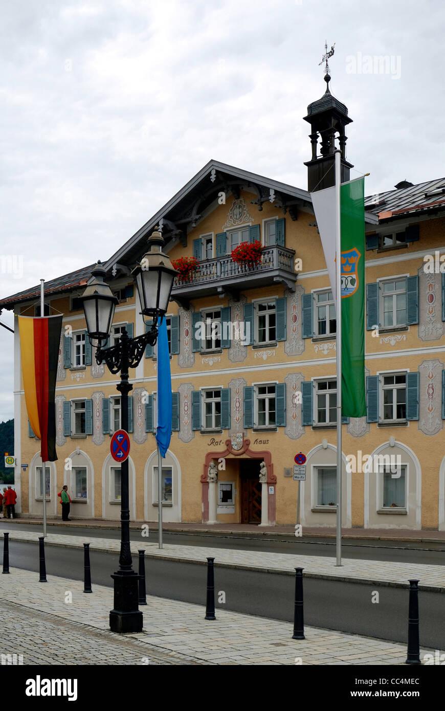 Rathaus von der bayerischen Stadt Tegernsee. Stockfoto