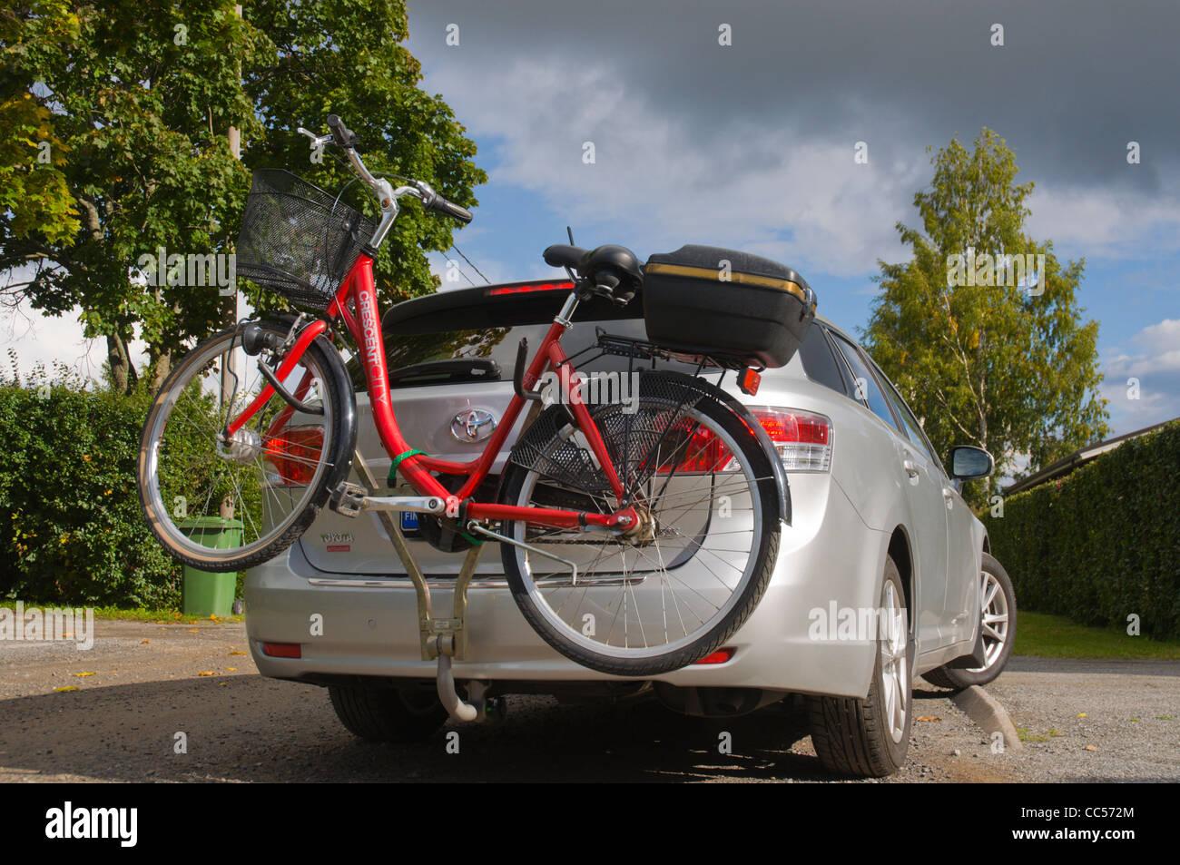 Auto Transport Fahrrad An Haken Auf Der Rückseite Finnland Europa