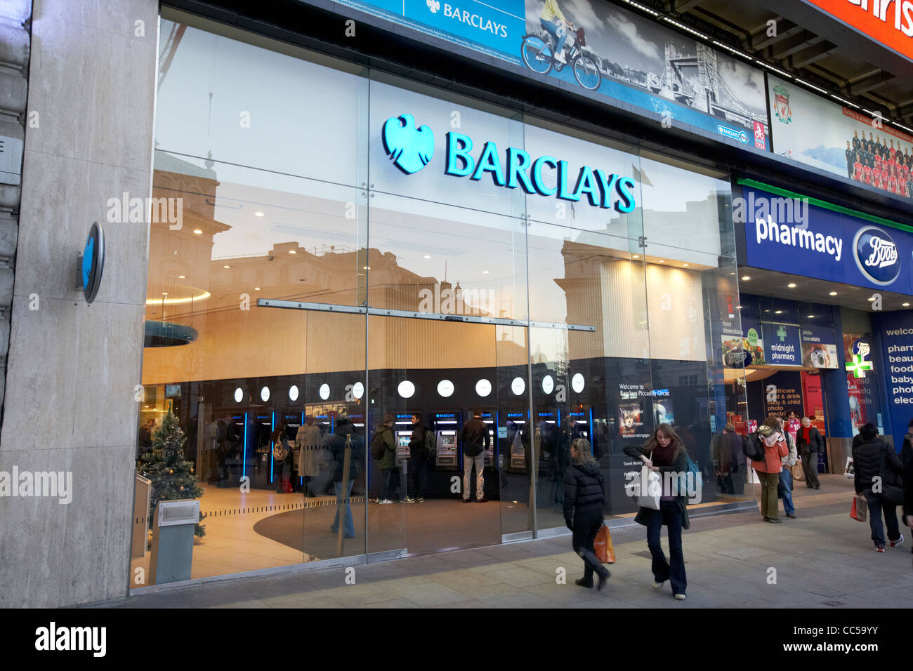 Filiale der Barclays Bank in Piccadilly Circus central London-England-UK-Vereinigtes Königreich Stockbild
