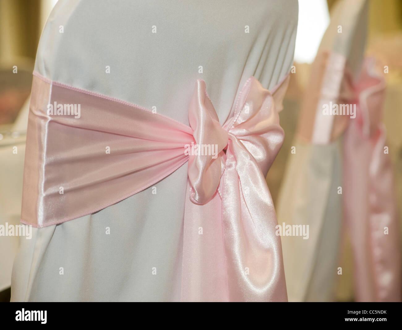 Sedia Pantone Rosa : Rosa stuhl stockfotos & rosa stuhl bilder alamy