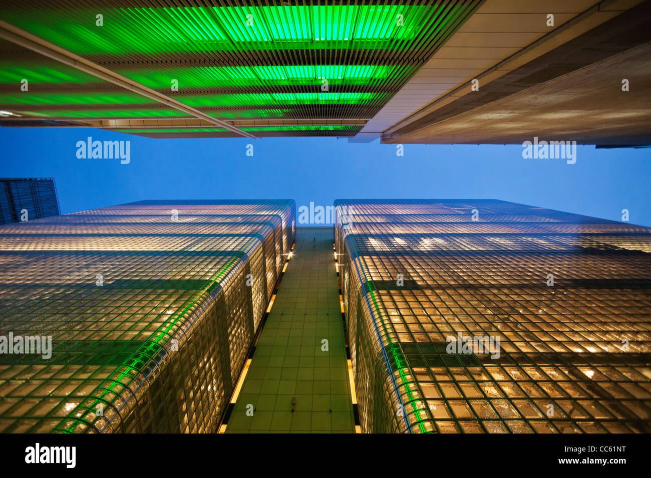 Japan, Tokio, Ginza, Maison Hermes Store und Sony Building Stockfoto