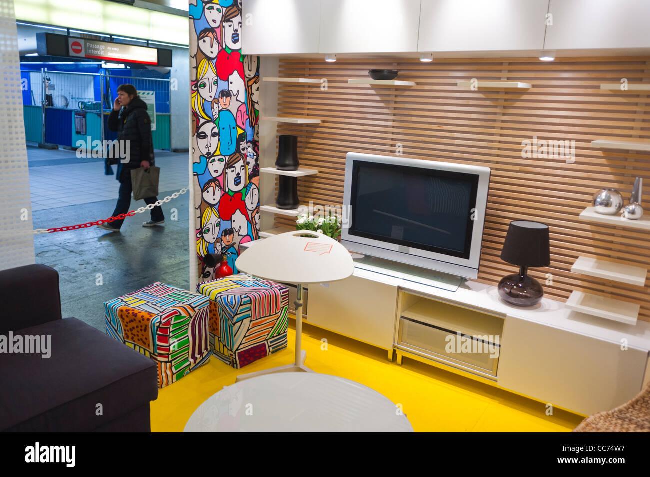 Paris Frankreich Ungewöhnliche Werbung Möbel Shopping Ikea