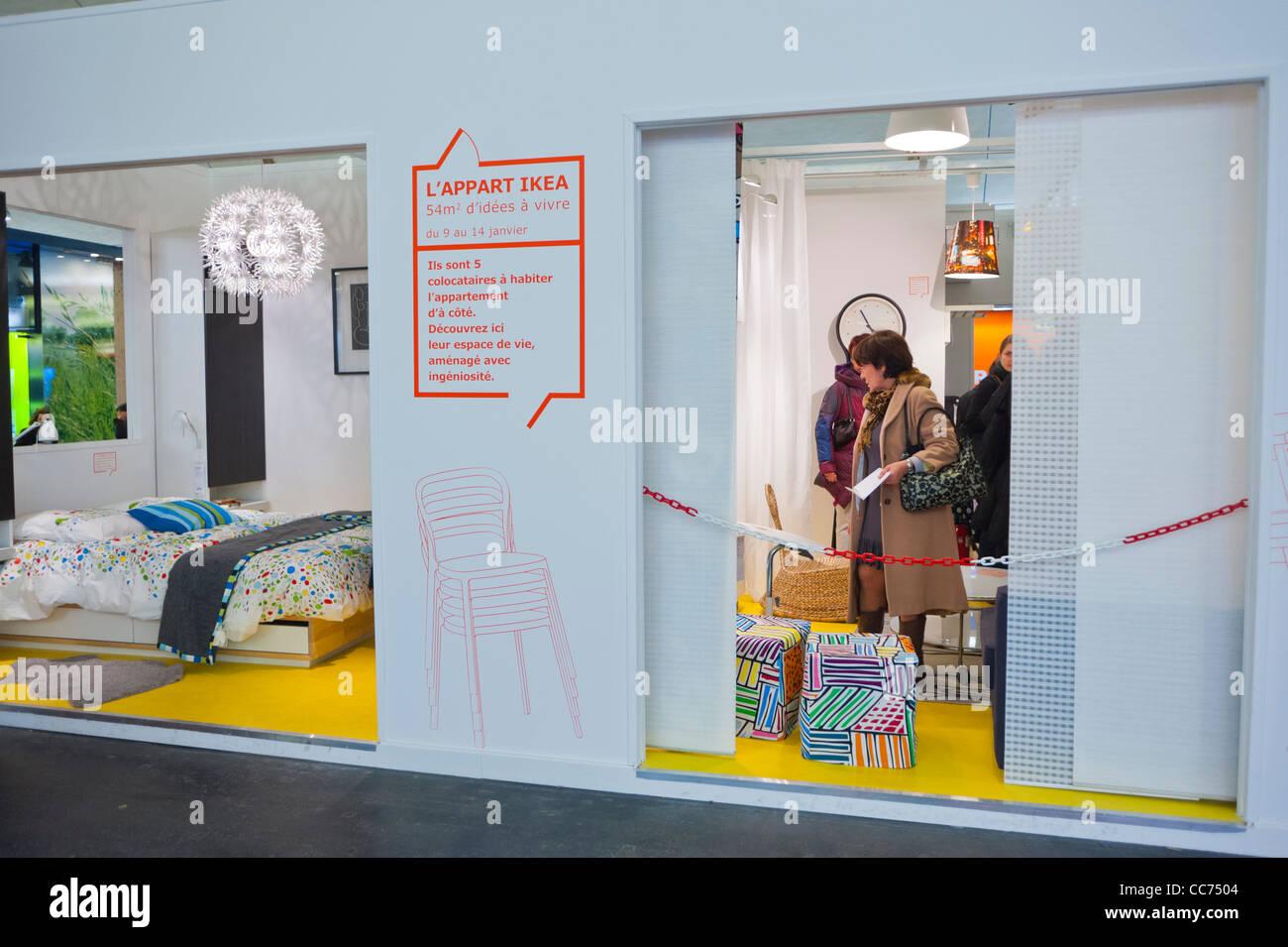 Paris Frankreich Ungewöhnliche Werbung Möbel Einkaufen Ikea