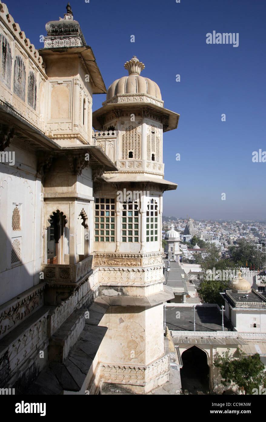 Teilansicht der Stadt Palast von Udaipur, Heimat des Maharaja von Udaipur, ein Museum und ein Luxushotel, Rajasthan, Stockbild