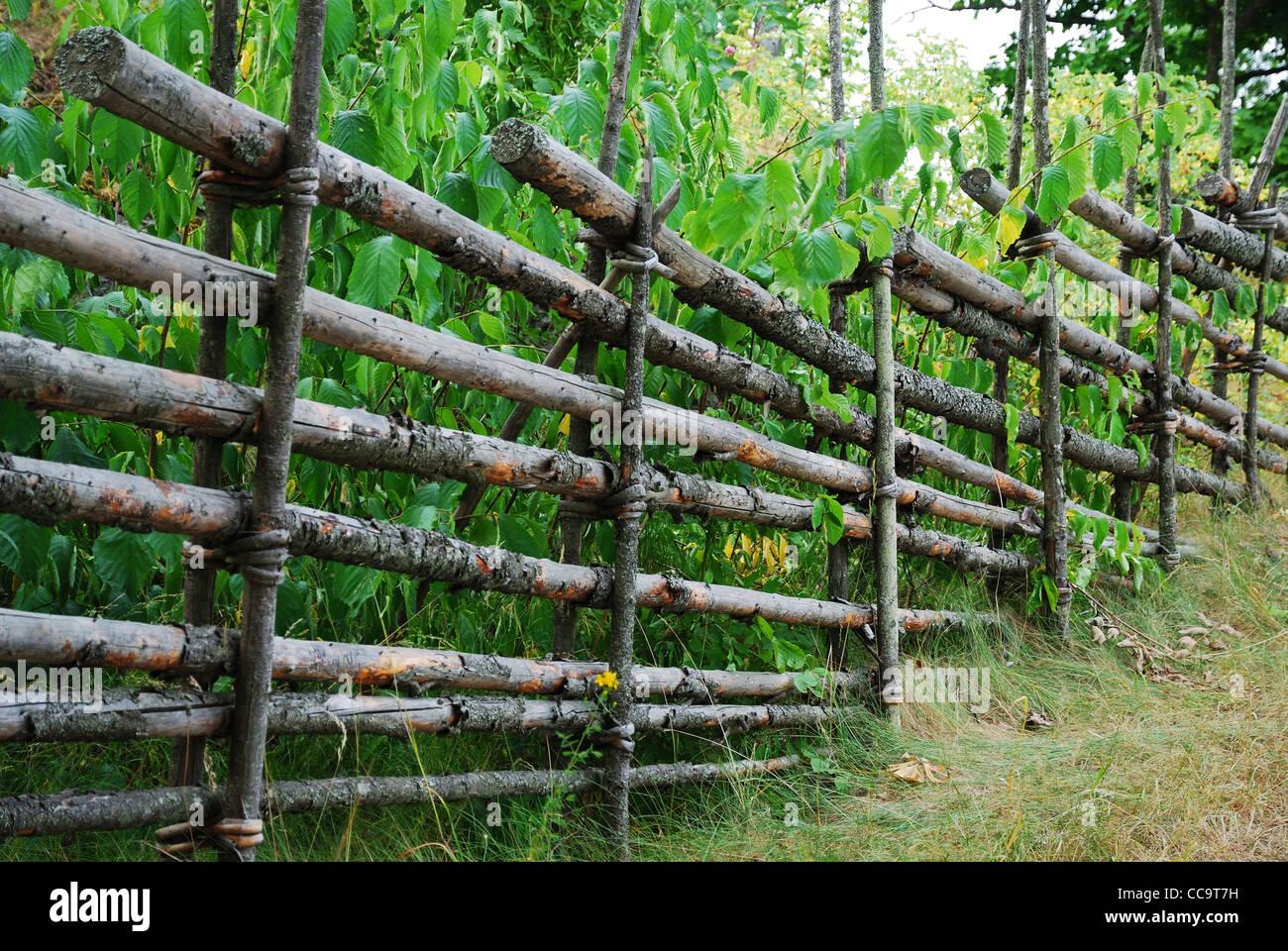 Schwedischen Zaun Aus Holz Stangen Stockfoto Bild 42013205 Alamy