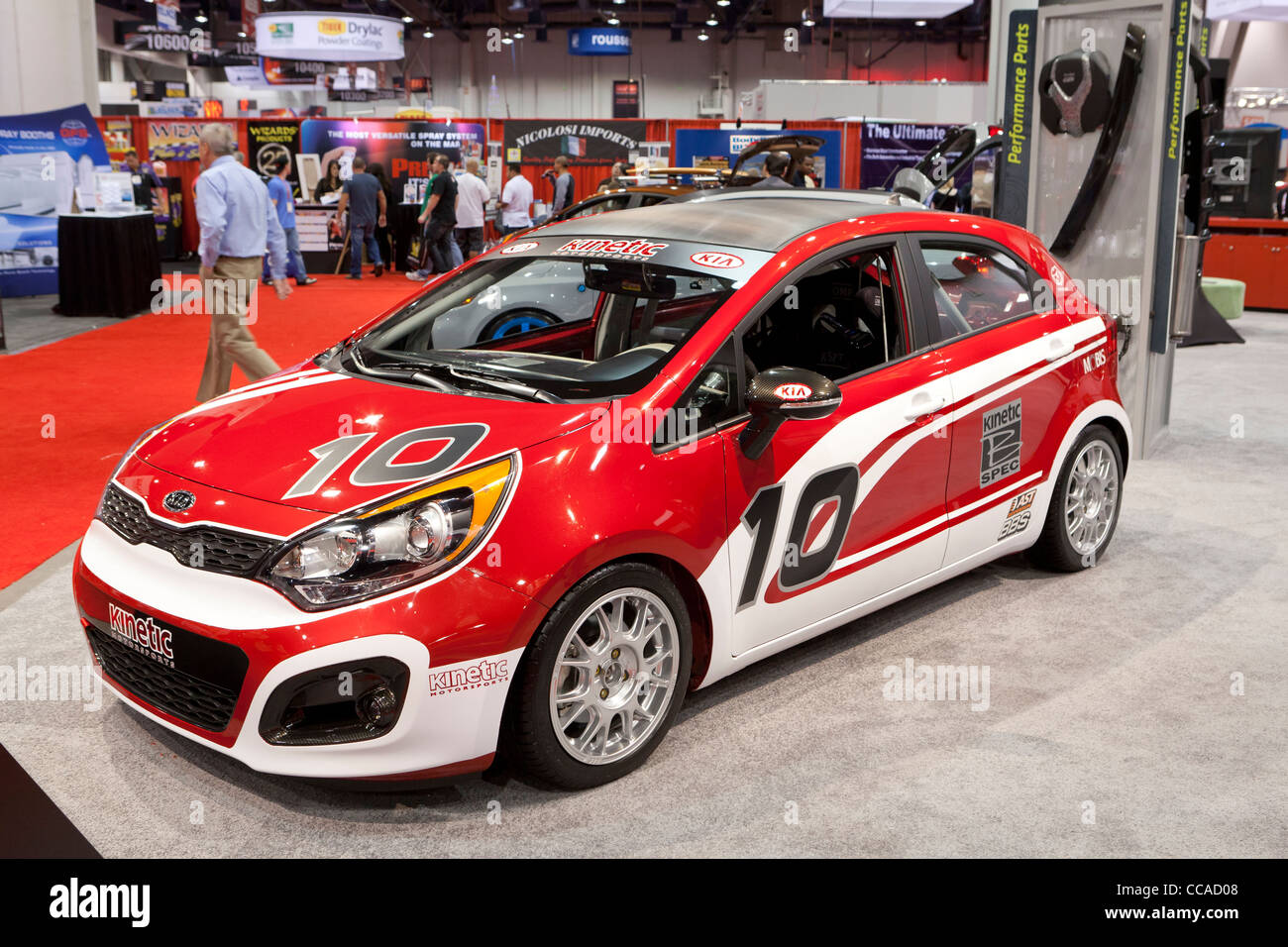 KIA kinetische Forte Koup Motorsport Rennwagen bei Auto-show Stockbild