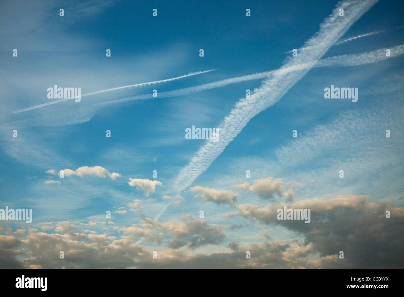 Wolkengebilde Stockbild