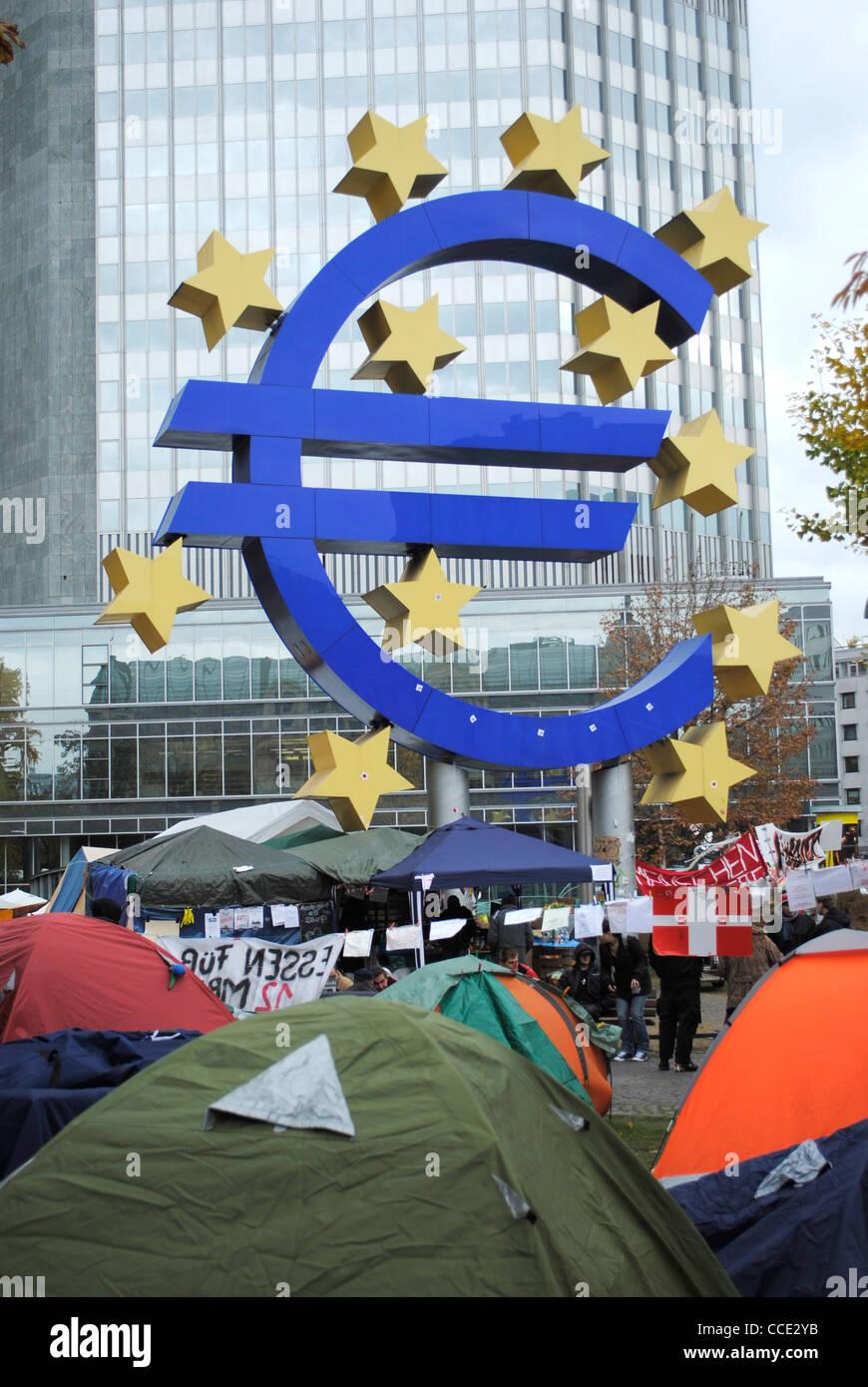 Frankfurt-Camp außerhalb der Europäischen Zentralbank, Deutschland zu besetzen Stockbild