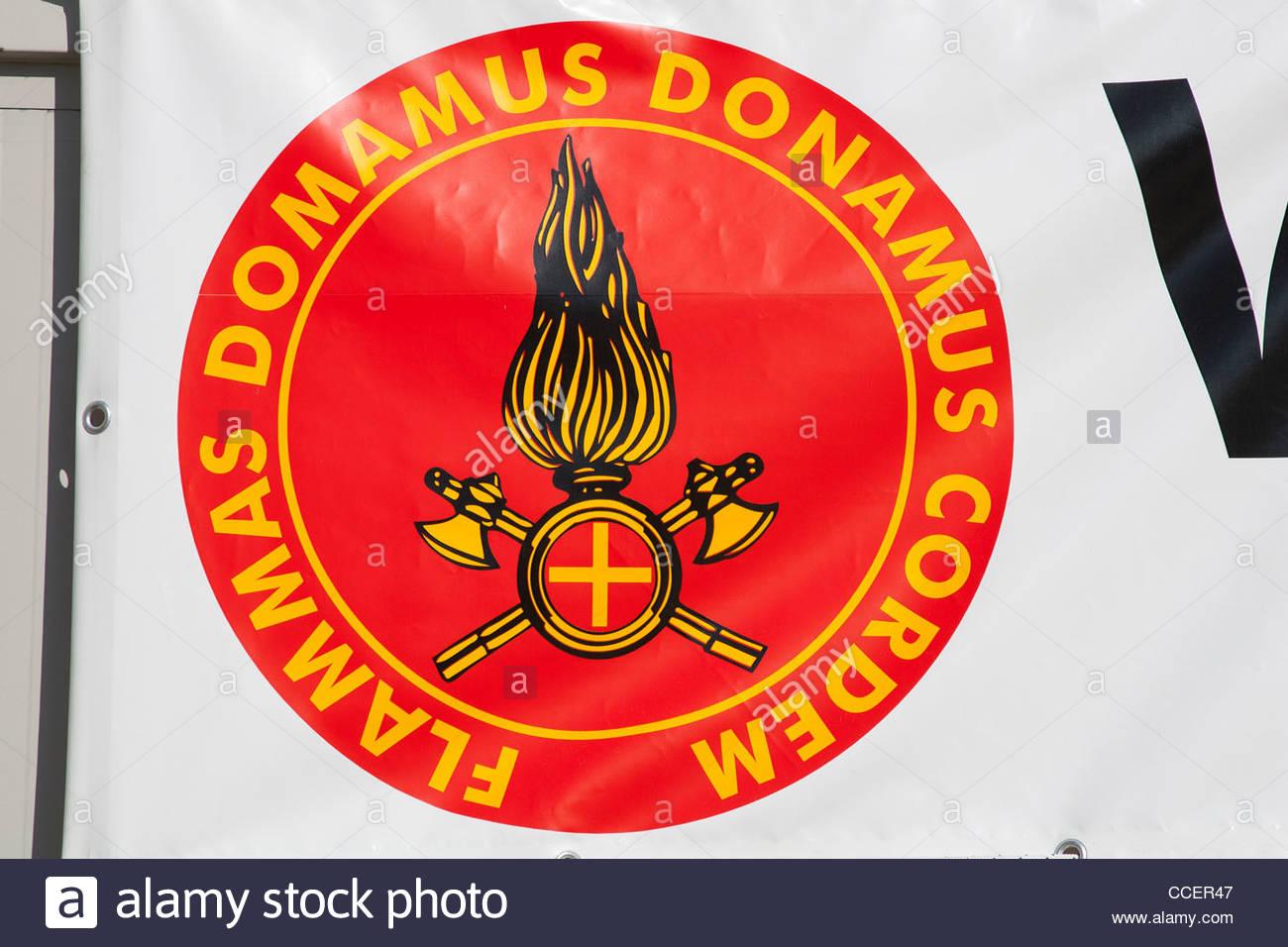 Kennzeichen der Feuerwehrleute, Erdbeben, 6. April 2009, l ' Aquila, Abruzzo, Italien, Europa Stockbild