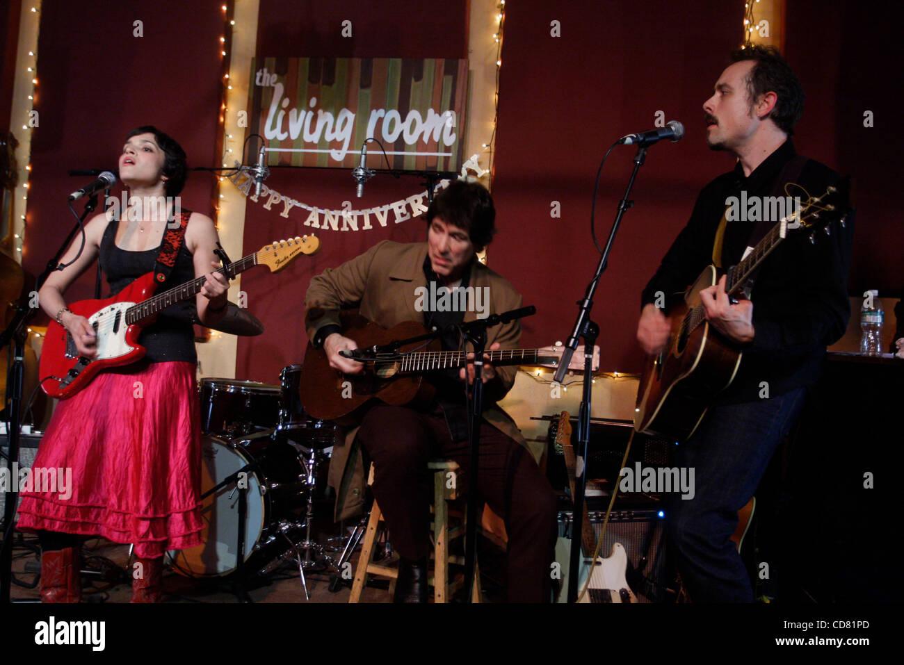 Norah Jones Mit Ihrer Band The Little Willies Durchfuhren Bei Einer