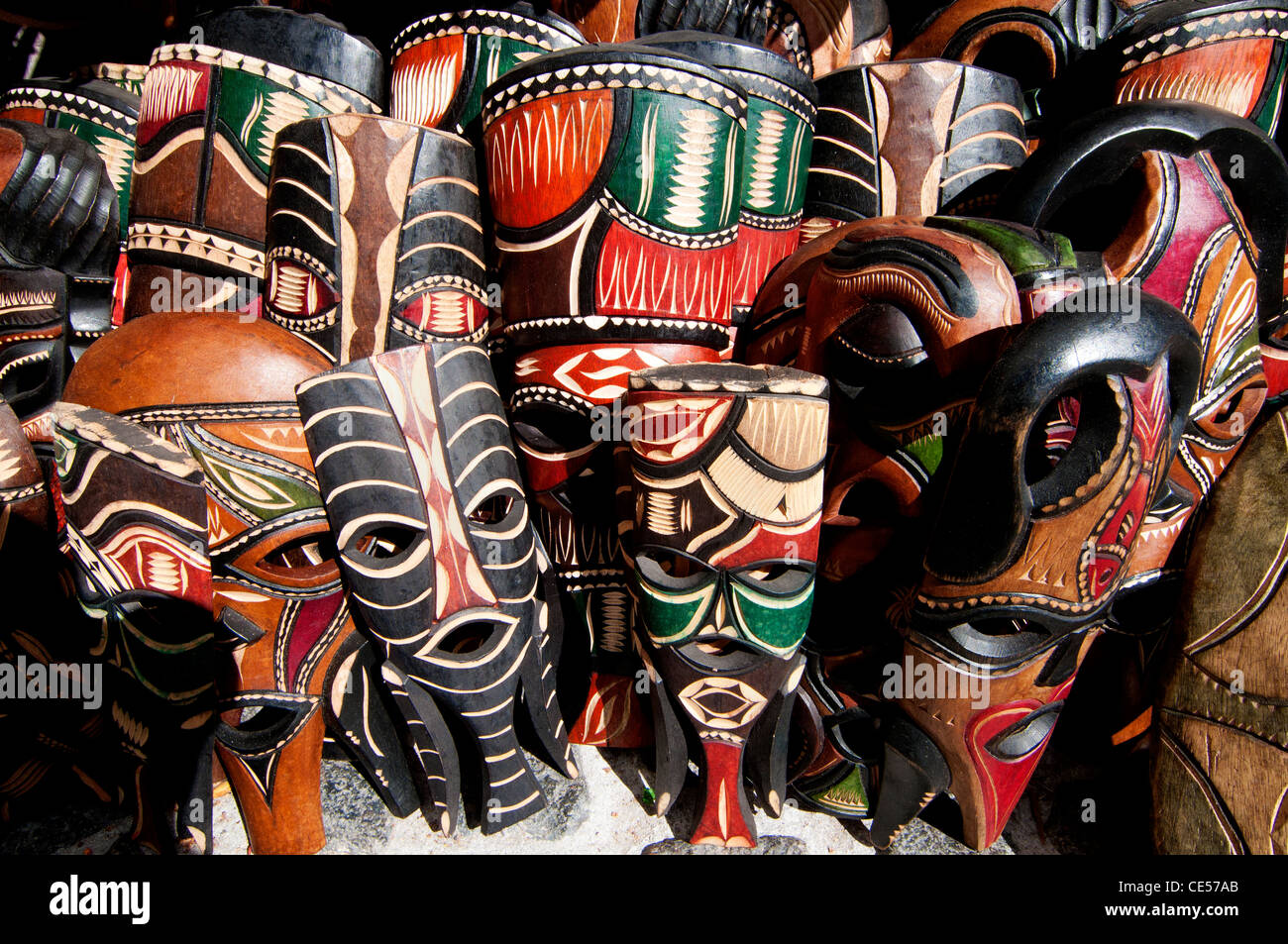 traditionelle afrikanische masken stockfoto bild 43141459 alamy. Black Bedroom Furniture Sets. Home Design Ideas