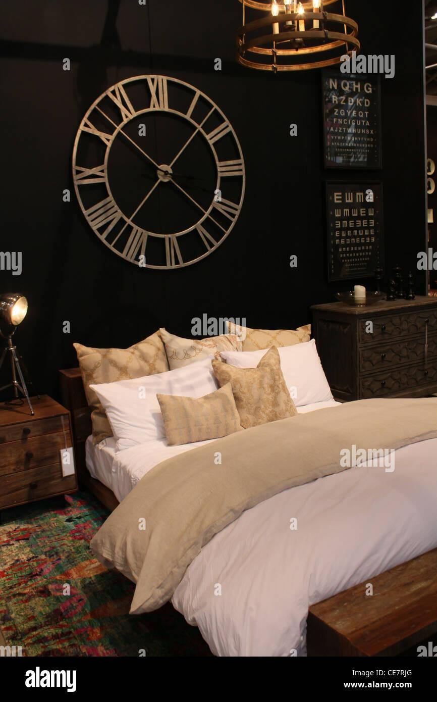 Luxus Schlafzimmer Uhr Stockbild