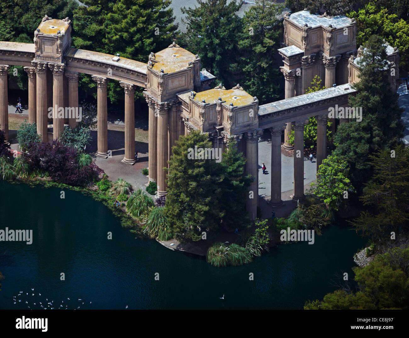 Luftbild-Reihen von korinthischen Säulen Palast der schönen Künste San Francisco Kalifornien Stockbild