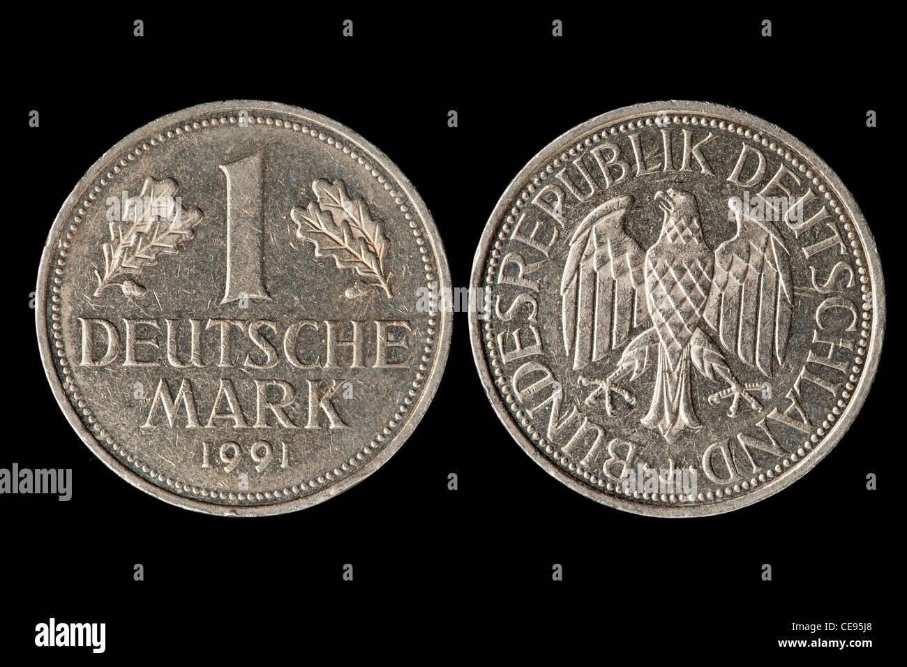 1 Dm Münze Auf Schwarzem Hintergrund Isoliert Stockfoto Bild